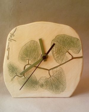 reloj hojas verde pequeño