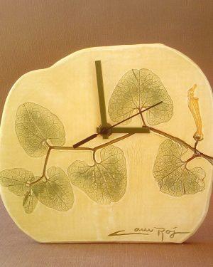 reloj estampado hojas verde